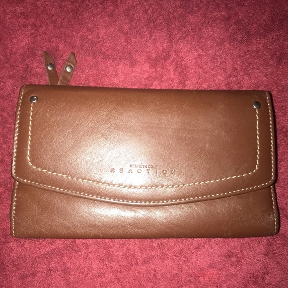 Kenneth Cole Reaction Handbags - Kenneth Cole Reaction Wallet